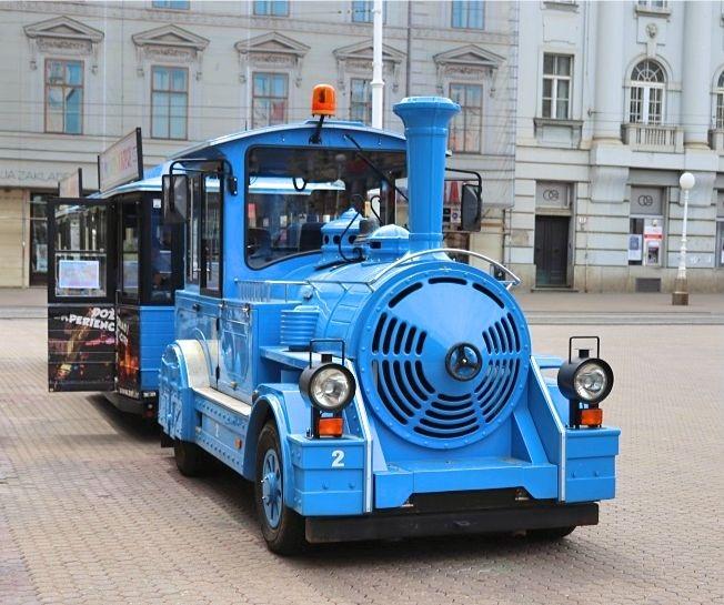 無料観光バスの写真